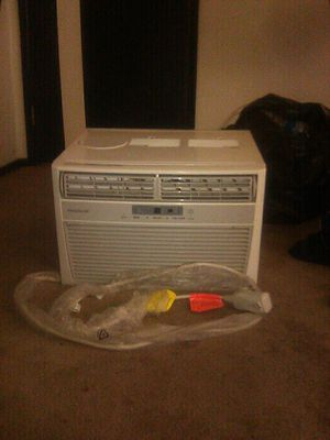 AC Window Unit with Window Attachment, Fridgeaire for Sale in Las Vegas, NV