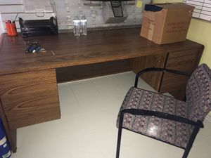 Locking desk and credenza for Sale in Findlay, OH