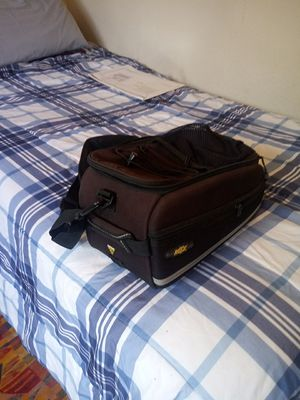 Topeak Bag for bikes, excellent condition with pockets perfect for the gym or carrying items for Sale in Miami, FL