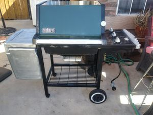 Weber grill in very clean conditions for Sale in Phoenix, AZ