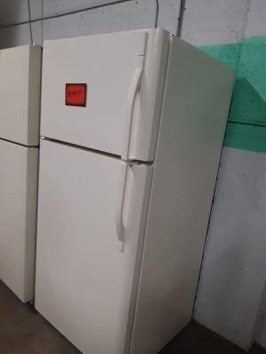 Top and bottom fridge works perfectly for Sale in Baltimore, MD