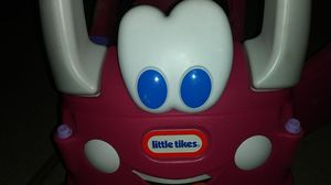 Little Tikes pink car for Sale in Wantagh, NY
