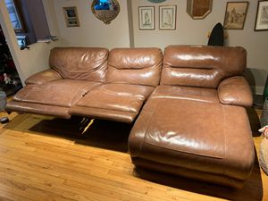 Brown leather sectional couch. for Sale in New York, NY