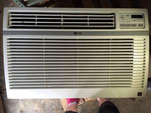 18,000 BTU LG Air Conditioner Model LW1814ER for Sale in Leesburg, VA