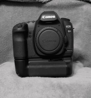 Canon EOS 5D Mark II for Sale in McAllen, TX