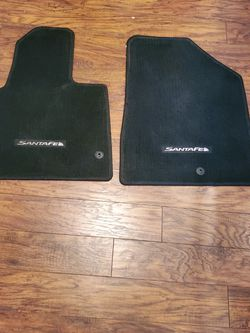 2017 Hyundai Santa Fe Factory Floor Mats Only Used 2 Weeks (like Brand New) for Sale in Battle Ground,  WA
