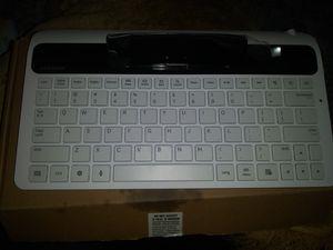 Samsung keyboard for Sale in Montclair, CA