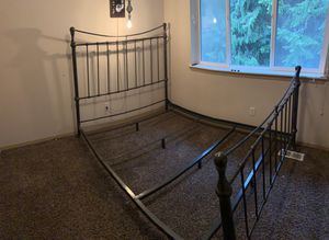 Queen Size bed frame Ethan Allen (frame only) for Sale in Orting, WA