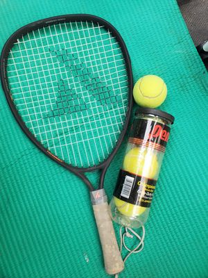 tennis racket and balls $7 for Sale in Huntington Park, CA