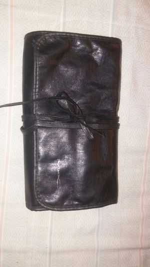 Makeup brush carrying case for Sale in Baldwin Park, CA