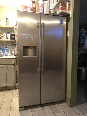Kenmore refrigerator free gratis doesnt work for Sale in South Gate, CA