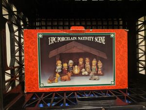 Porcelain Nativity Scene 12 piece for Sale in Federal Way, WA