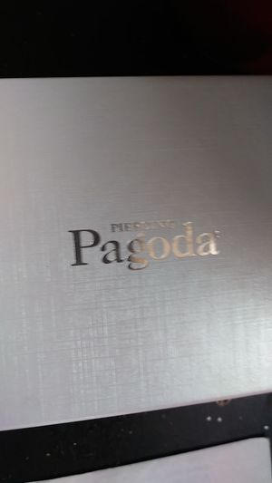 Pagoda piercing 10 kr gold chain 20 inch for Sale in Sacramento, CA
