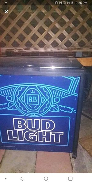 Bud Light Mobile Cooler w/wheels Merchandiser for Sale in Jeffersonville, IN