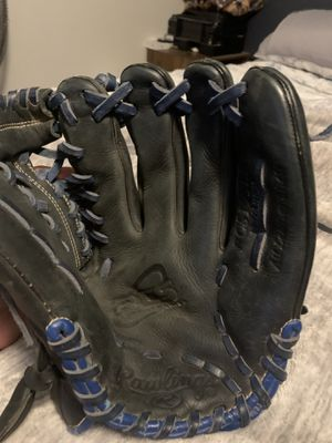 Rawlings Baseball glove 11 3/4 for Sale in Victorville, CA