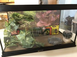 Reptile 10 gallon Tank for Sale in Snohomish, WA