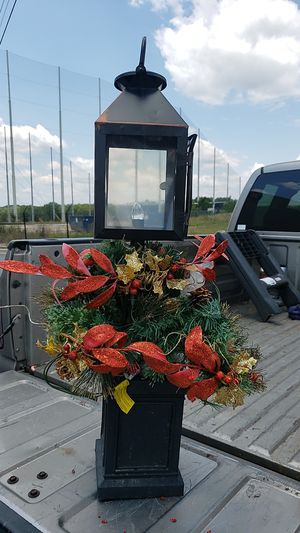 Christmas pre Lit Electric topiary indoor/outdoor for Sale in Taylors, SC