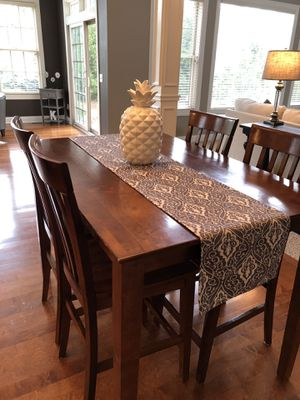 Nice Hightop Table for Sale in Strongsville, OH
