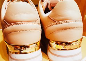 AUTHENTIC Michael Kors Signature Pink & Gold Leather Sneakers for Sale in Atlanta, GA
