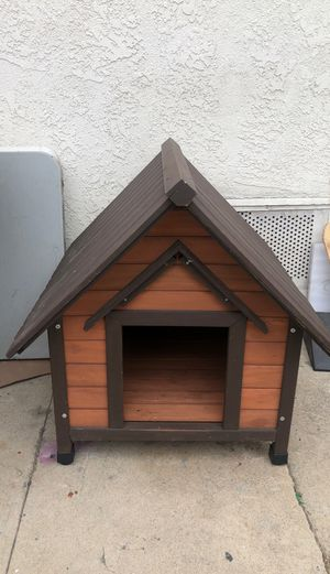 Small Medium Wood Dog House. Yes available don't ask for Sale in Wilmington, CA