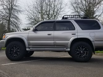 2001 Toyota 4-Runner Limited for Sale in Hillsboro,  OR
