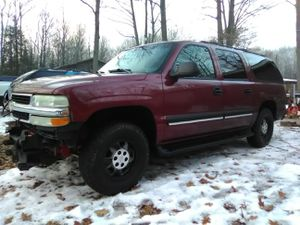 2002 Chevy suburban for Sale in Lake City, MI
