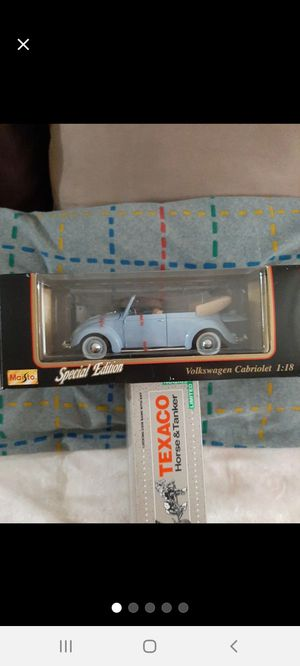 Maisto 1/18 VW Open~Top Cool Blue Bug●□● for Sale in Williamsport, PA
