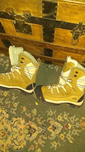 Keen snow boots/work boots size 7 for Sale in Acworth, GA