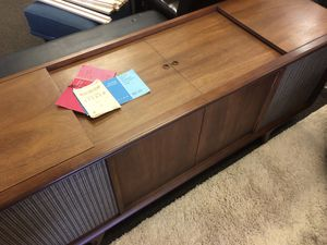 Vintage Hi-Fi. Stereo Console w/ LP Turn table !! Petite!! for Sale in Denver, CO