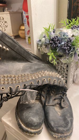 Jeffrey Campbell Studded Black Leather Boots for Sale in Los Angeles, CA