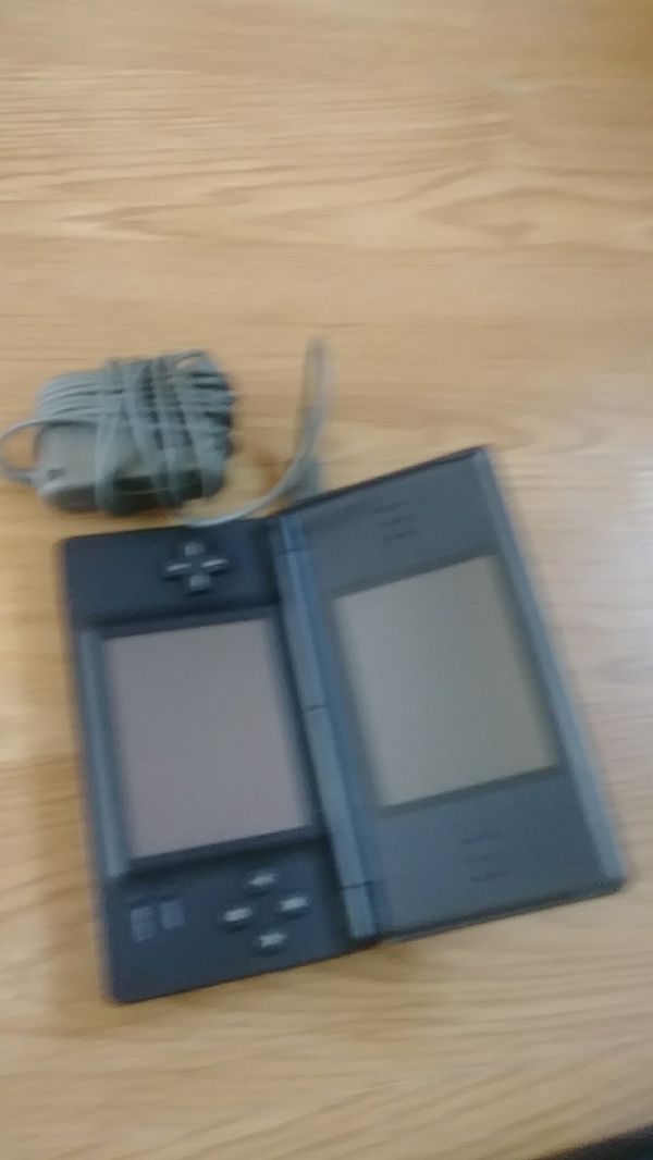 Nintendo DS Lite (Used) With charger