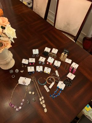 Jewelry lot for Sale in Manchester, TN