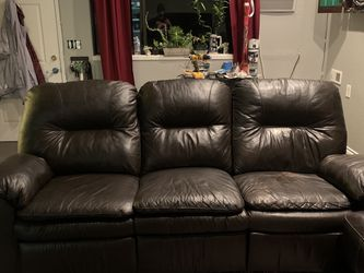 Leather Couch ($200) for Sale in Burien,  WA