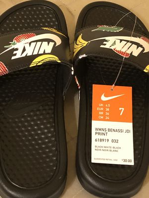 Nike's sandals for Sale in Fresno, CA
