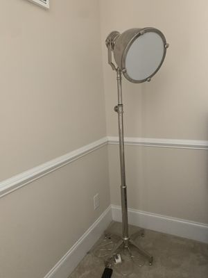 Floor lamps and o'clock for Sale in Brentwood, TN