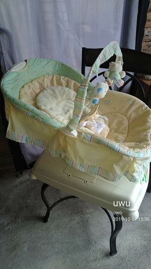 Fisher Price Soothing Motion Glider Baby Seat for Sale in Philadelphia, PA