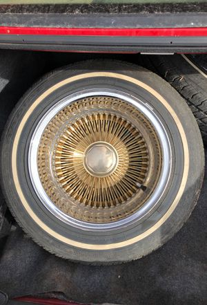 13x7 center gold 100 spokes tires are still good ready to install for Sale in Española, NM