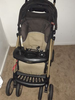 Graco nice and spacious Stroller for Sale in Manchester, CT