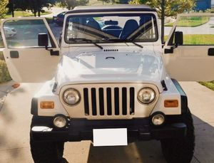 2QQ1 JEEP WRANGLER--6Cyl--Low Miles 84k for Sale in New York, NY
