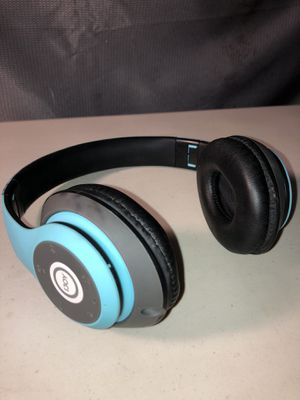 Bluetooth headphones please inspect photo's closely , 12$ for shipping 10$ locally. for Sale in Tucson, AZ