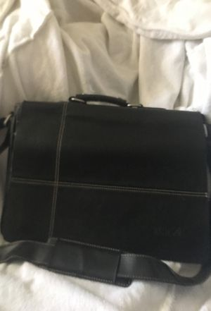 Tumi Leather Messenger Bag for Sale in Columbus, OH