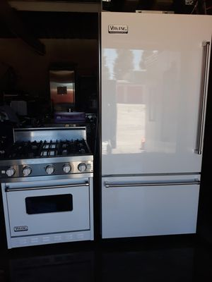 "VIKING PROFESSIONAL STOVE 30"" AND VIKING PROFESSIONAL REFRIGERADOR 36"" BOTTOM FREEZER for Sale in Hayward, CA"