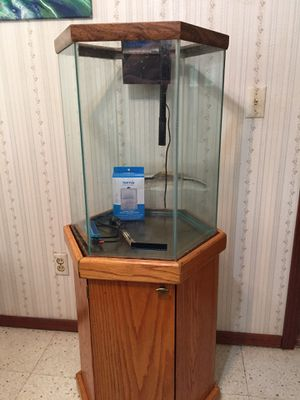 Fish tank with cabinet stand no leaks for Sale in Oklahoma City, OK