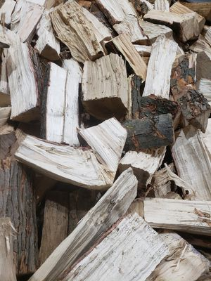 Firewood for sale 🔥 pick up or delivered 🔥 for Sale in New Boston, MI