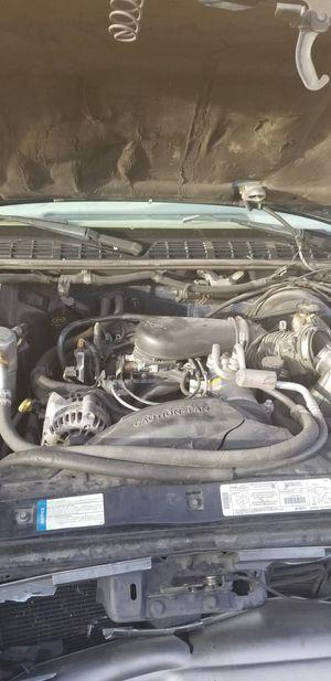 4.3l engine blazer s10 Sonoma for Sale in Las Vegas, NV