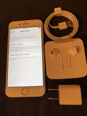 Unlocked Apple iPhone 8 gold 64gb for Sale in Hayward, CA