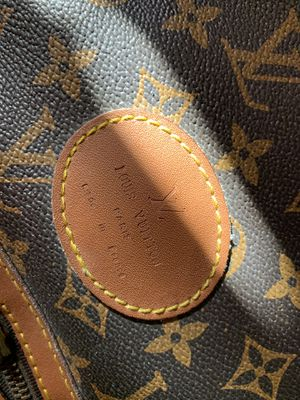 Authentic Louis Vuitton overnight bag! Absolutely stunning. for Sale in Roanoke, VA
