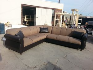 NEW 9X9FT CLYDE MOCHA FABRIC COMBO SECTIONAL COUCHES for Sale in LA CANADA FLT, CA