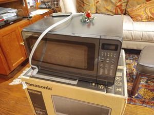 Free BROKEN Microwave for Sale in Laurel, MD