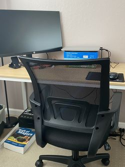 Office Desk And Chair for Sale in Newark,  CA